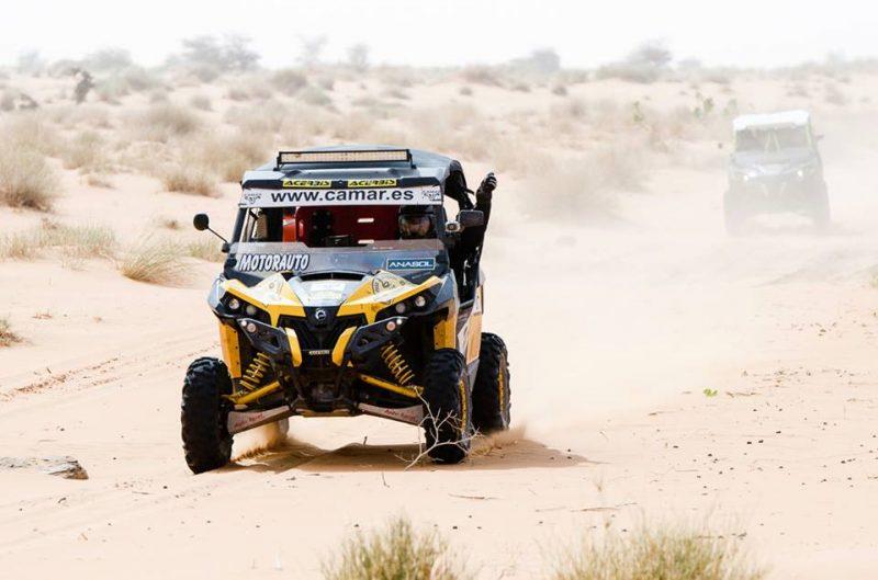Buggy /UTV in desert rally