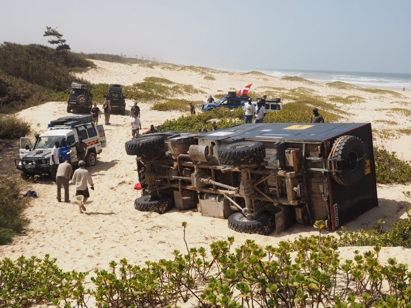 Tipped over truck in The Real Way to Dakar